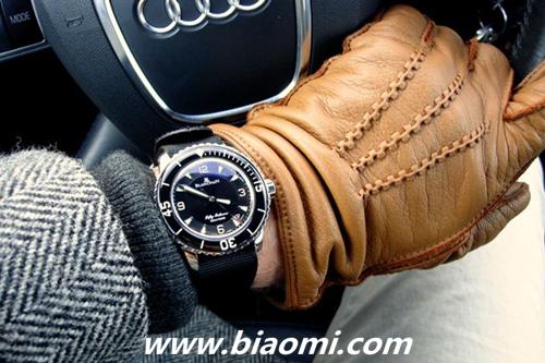 腕上荷尔蒙 皮手套+腕表打造性感冬日型男 购表指南 第4张