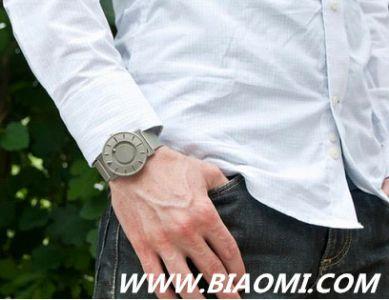 这一款手表让盲人也能优雅地看时间