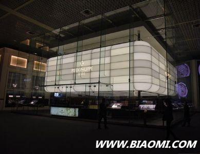 2016 Baselworld 品牌展馆建筑与这些明星有着相似之处