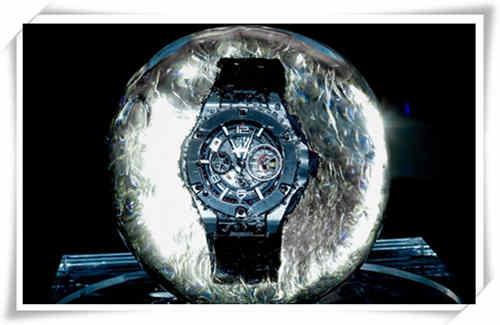 赛车与腕表总是这么搭调 宇舶Big Bang就有种霸道的力量