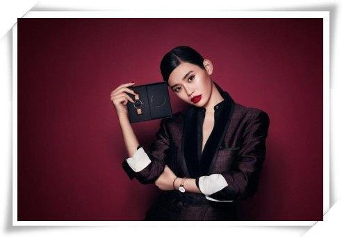 适合年轻人的品牌 奚梦瑶为DW腕表拍摄全新假日系列广告