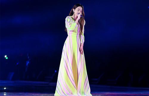 她的歌声是治愈的 她的腕表是优雅的——Hebe田馥甄 热点动态 第1张