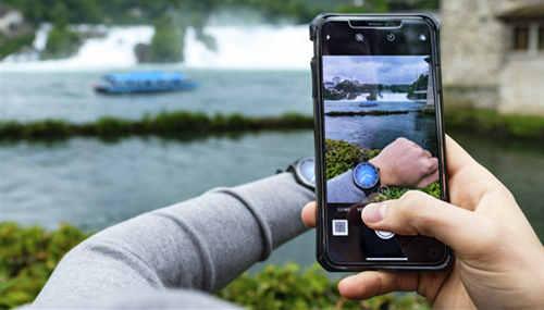 开拓者大三针电光蓝黑色版腕表展开环游世界之旅