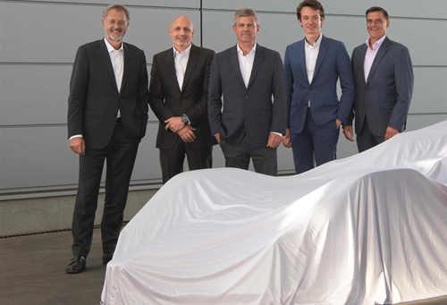 TAG Heuer泰格豪雅正式成为保时捷电动方程式车队冠名及官方计时合作伙伴