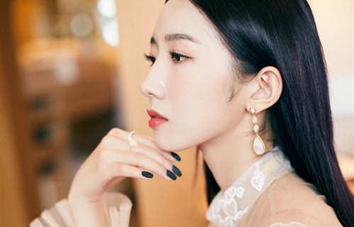 孟美岐佩戴Boucheron宝诗龙珠宝于《诛仙Ⅰ》电影发布会绽放魅力