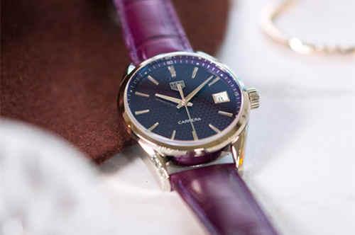 泰格豪雅母亲节倾心呈献两款腕表 以多变风格向天下母亲致敬