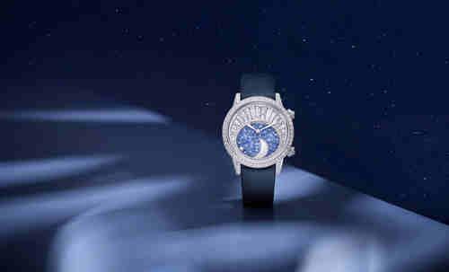 积家Rendez-Vous Moon High Jewellery 约会系列高级珠宝月相腕表------积家携手倪妮演绎星空下的永恒之爱